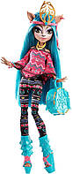 Monster High Иси Даунденсер Монстры по обмену Brand-Boo Students Isi Dawndancer