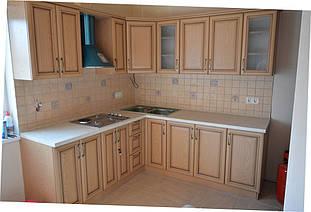 Кухня с  рамочными фасадами и патиной 1