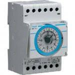 Таймер аналоговый, суточный, 16А, 1 переключаемый контакт, запас хода 200 час., 3 м Hager (EH111)