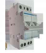 Переключатель I-0-II с общим выводом сверху, 2-пол., 25А/230В, 2м Hager (SFT225)