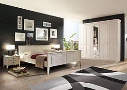 Спальня из массива дерева 004
