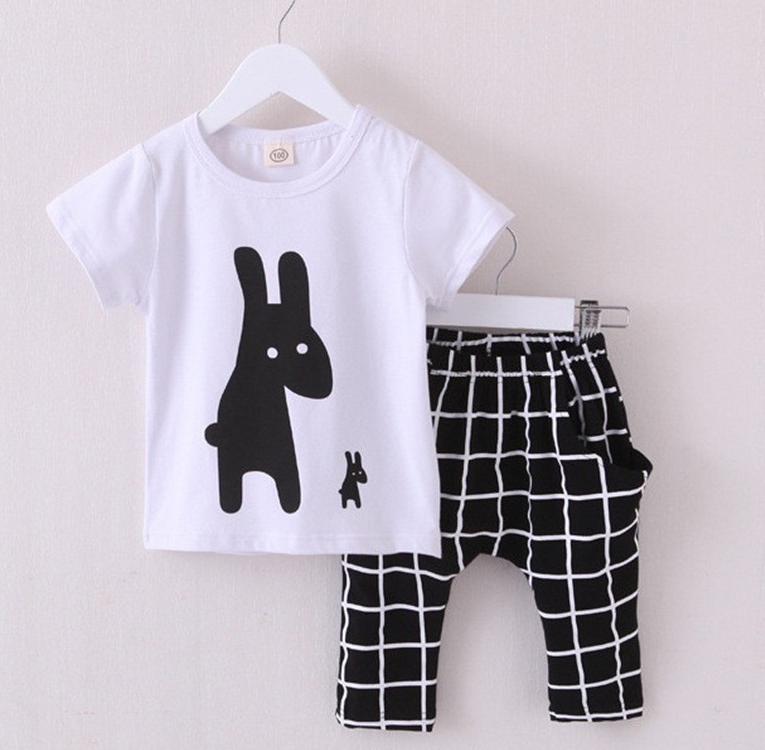 169b2e20a28773 Модний комплект на літо для хлопчика - футболка+капрі - Інтернет-магазин  дитячого та