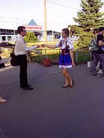 Раздача листовок в Харькове,  из рук в руки