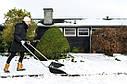 Скрепер-волокушка для уборки снега Fiskars SnowXpert 1003470 (143021), фото 3