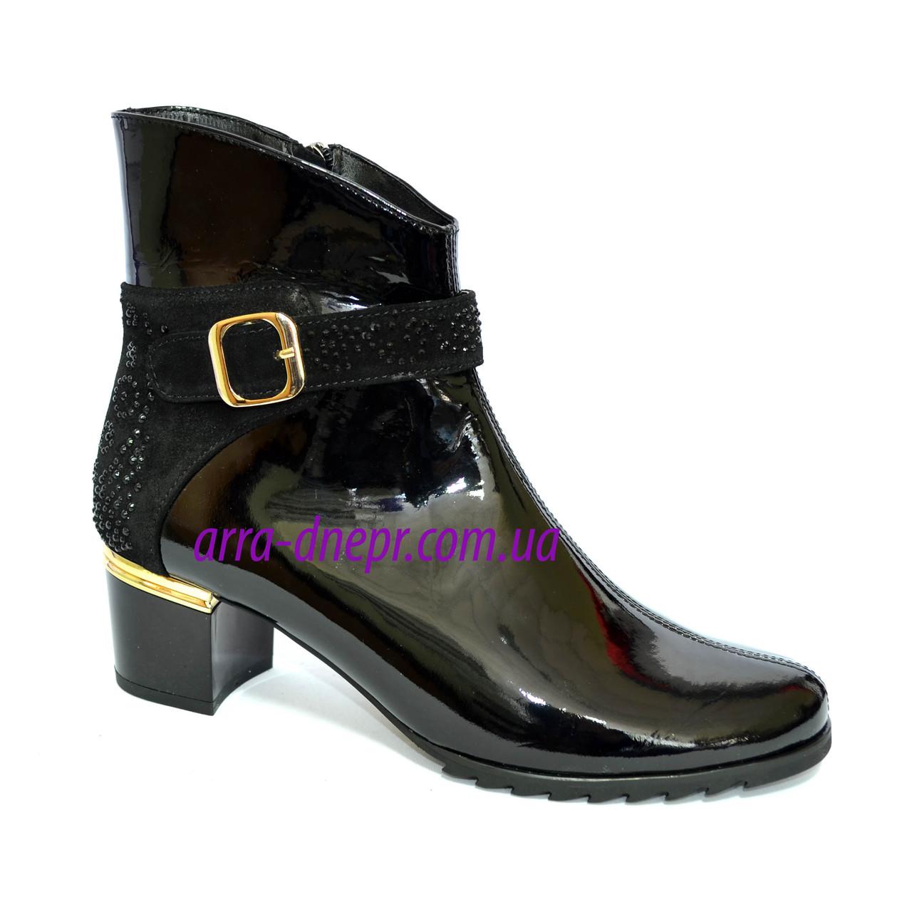 Стильные женские зимние ботинки, натуральная черная лаковая кожа и замша.