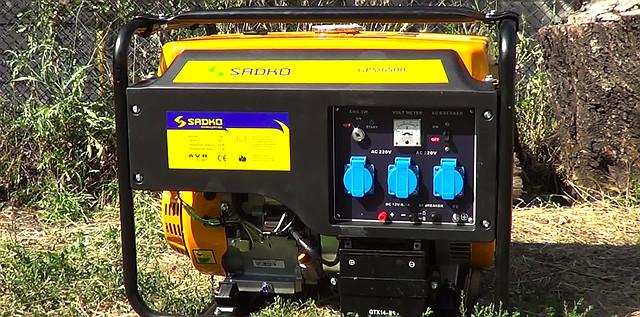 Sadko GPS-6500E (5,5 кВт), бензиновый генератор фото 2