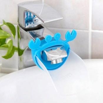 Насадка - удлинитель для водопроводного крана Краб голубой с прозрачной площадкой