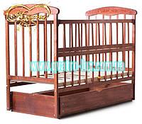 Детская кроватка «Наталка» с отбросом боковушки, маятником и ящиком темная