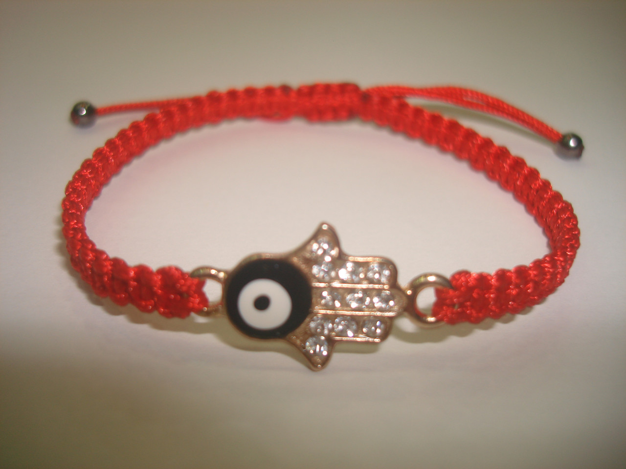 Красная нить Каббала с оберегом «Хамса, Рука Фатимы»