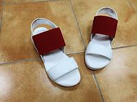 Женские кожаные белые босоножки с резинкой Rendi. Укриана