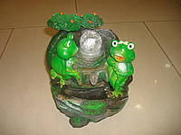 Фонтан с лягушками