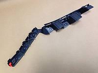 Направляющая (кронштейн крепления , рейка) заднего бампера левая (пластмассовая чёрная) GM 1406209 13179903 OPEL Corsa-D