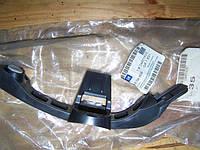 Направляющая (кронштейн, крепление, опора) заднего бампера левая GM 1404809 24401425 Opel Vectra-C HATCH,SALOON (F68,F69) хэтчбэк, седан