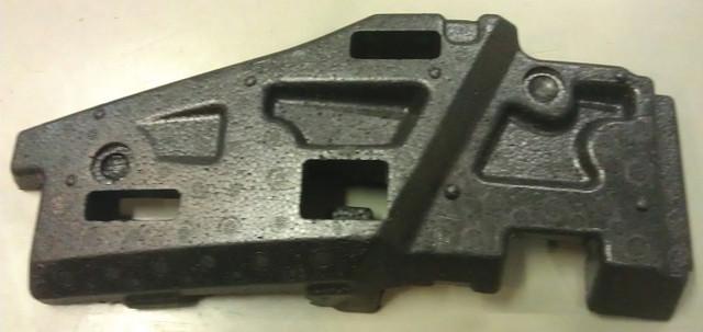 Буфер (демпфер , пенопласт , шумоизолятор) переднего бампера левый (слева , левая сторона под левой фарой) GM 1406048 244602921 OPEL Astra-H 5 door
