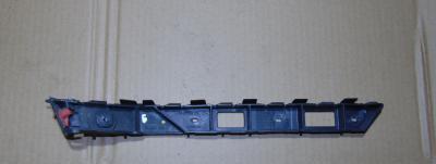 Направляющая (кронштейн , крепление) заднего бампера левая (левый) у заднего левого крыла OPEL Astra-H caravan (универсал)