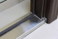 Защита дверей от сквозняков