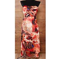 Вечернее платье с ярким абстрактным принтом