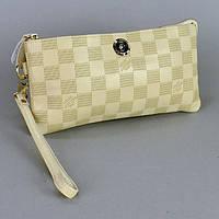 Бежевый женский клатч кожаный Louis Vuitton