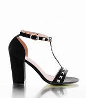 Женские стильные  босоножки  под Valentino