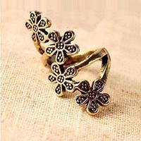 Кольцо Четыре цветка золотого цвета ретро, фото 1