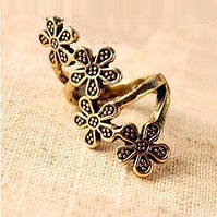 Кольцо Четыре цветка золотого цвета ретро