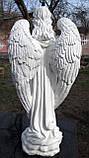 Скульптура в Украине. Надгробный Ангел с розами из полистоуна 57 см, фото 5