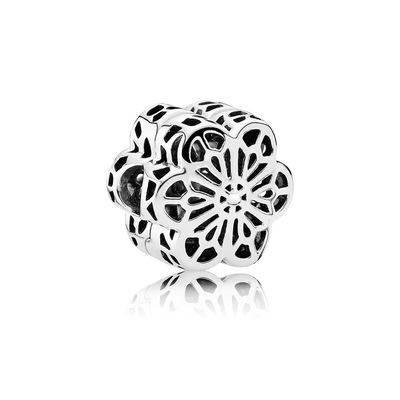 Клипса из серебра «Цветочное кружево»