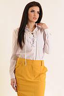 Белая блуза свободного покроя  шнуровке