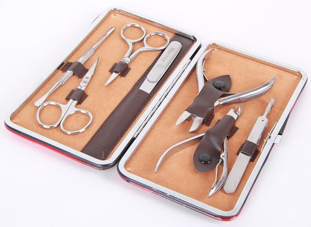 Маникюрный набор в подарочной упаковке красного цвета МАСТЕР (Россия) CVL  /0-921