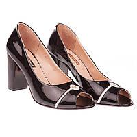 Оригинальные туфли для модной женщины Foletti (черные, на устойчивом каблуке, с открытым носком)