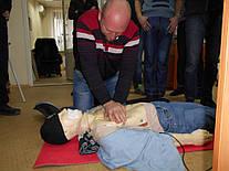"""Учебный центр """"Новатор"""" (г. Харьков) регулярно проводит обучение навыкам оказания первой медицинской помощи с использованием робота-тренажера """"Тарас""""."""