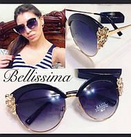 Очень красивые и стильные женские солнцезащитные очки с декорированной оправой j-4316179