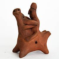 Глиняная свистулька. Оседлавший тура