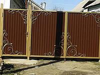 Ворота из профнастила с коваными вставками