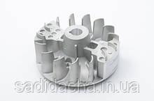 Маховик-вентелятор бензотріммера