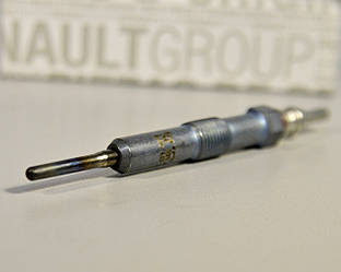 Свеча накала (4.4В) 1.5dCi на Renault Dokker 2012-> — Renault - 8200682592