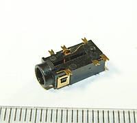№ A013 Аудио разъем, гнездо под 3х контактный штекер 3,5 мм для планшетов, ноутбуков, телефонов