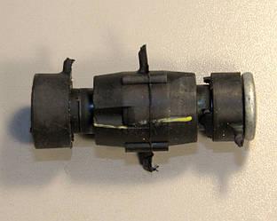 Втулка переднего стабилизатора на Renault Kangoo 1998->2008  —  7700799404