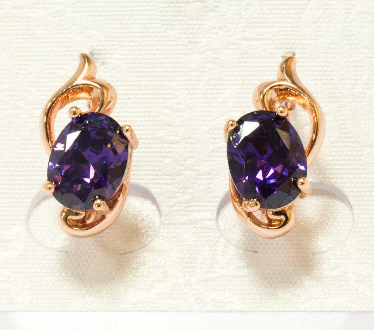Серьги с фиолетовым цирконием, англ.замок, 18мм*7мм, позолота