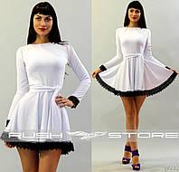 Расклешенное платье с кружевом