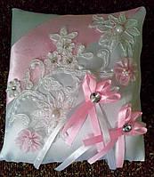 """Свадебная подушка под кольца """"Бело-розовый квадрат"""" (6)"""