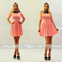 Платье с воротничком