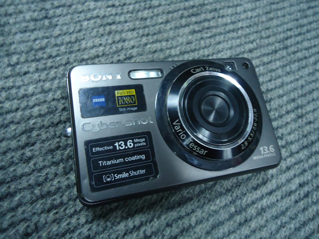 Фотоаппарат 13.6 Мп SONY DSC-W300 на запчасти