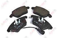 Тормозные колодки передние на Volkswagen VW Caddy 03- боковые уши направленны в низ ABE C1A024ABE