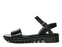 Женские кожаные черные сандалии на тракторной подошве 37
