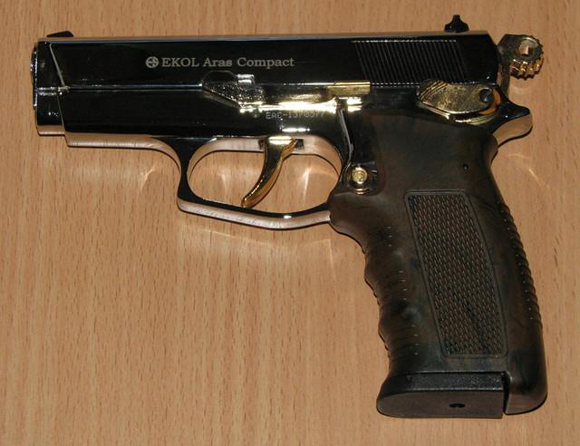 Пистолет стартовый Ekol Aras Compact (хром с позолотой)