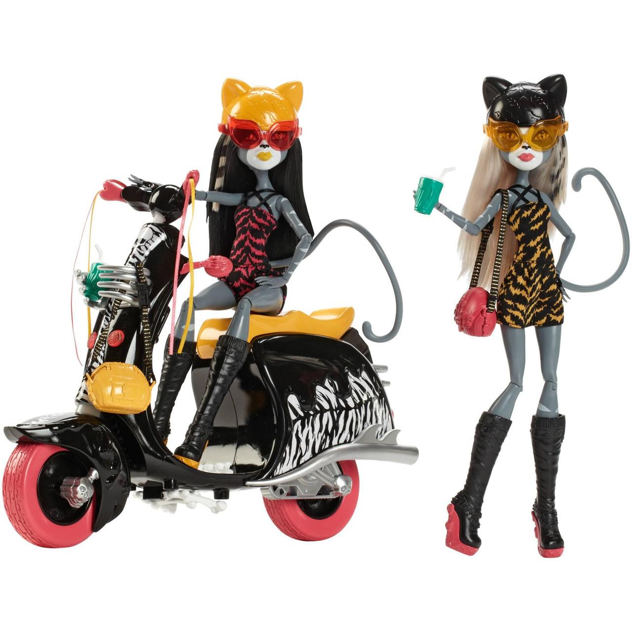 Monster High на скутере Пурсефона и Мяулодия Werecats Sisters and Scooter Mattel 03478
