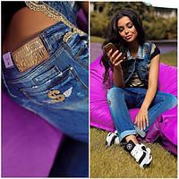 Модные женские джинсы доллар