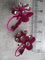 Сережки с камешками длина с застежкой 2,0 см.