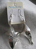 Сережки  длина с застежкой 9,0 см.